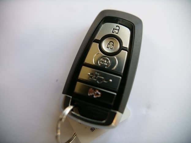 Ford Smart Key w/Pull Out Valet Key Battery