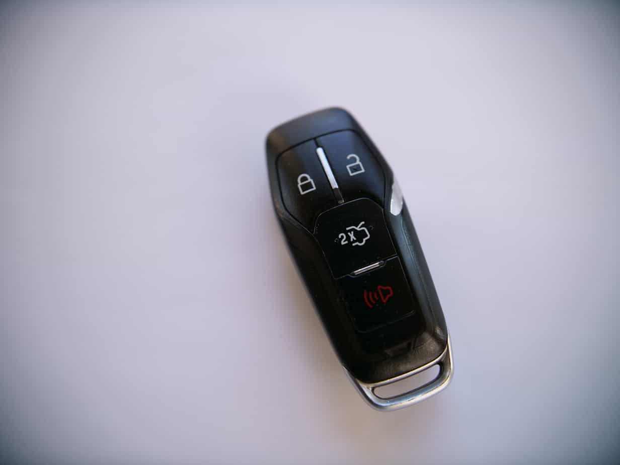 Ford Rounded Rectangle w/Internal Valet Key Battery